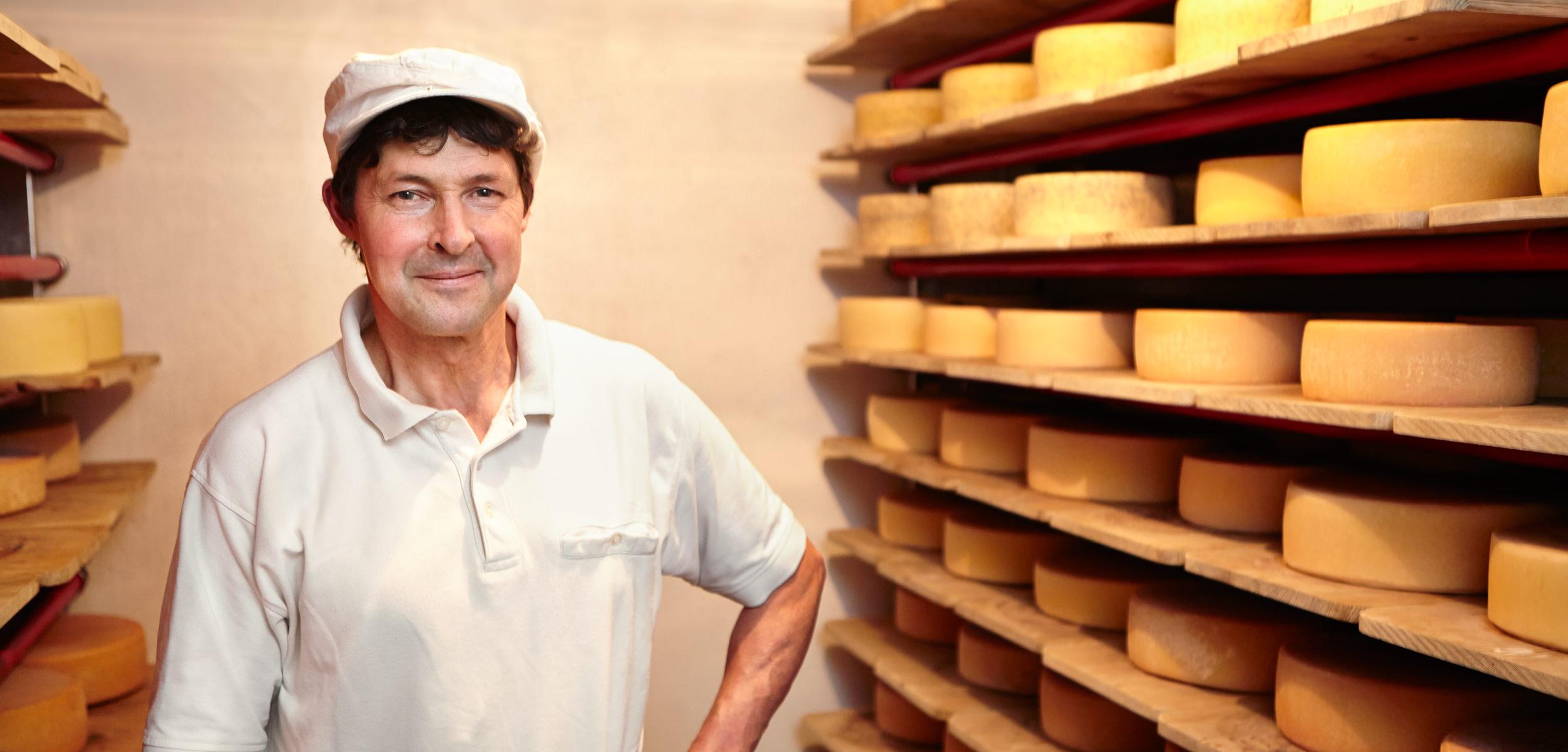 josef huber kraus käser honhardter demeterhöfe landwirtschaft käseherstellung käse lebensmittel demeter bio biolebensmittel jörn strojny