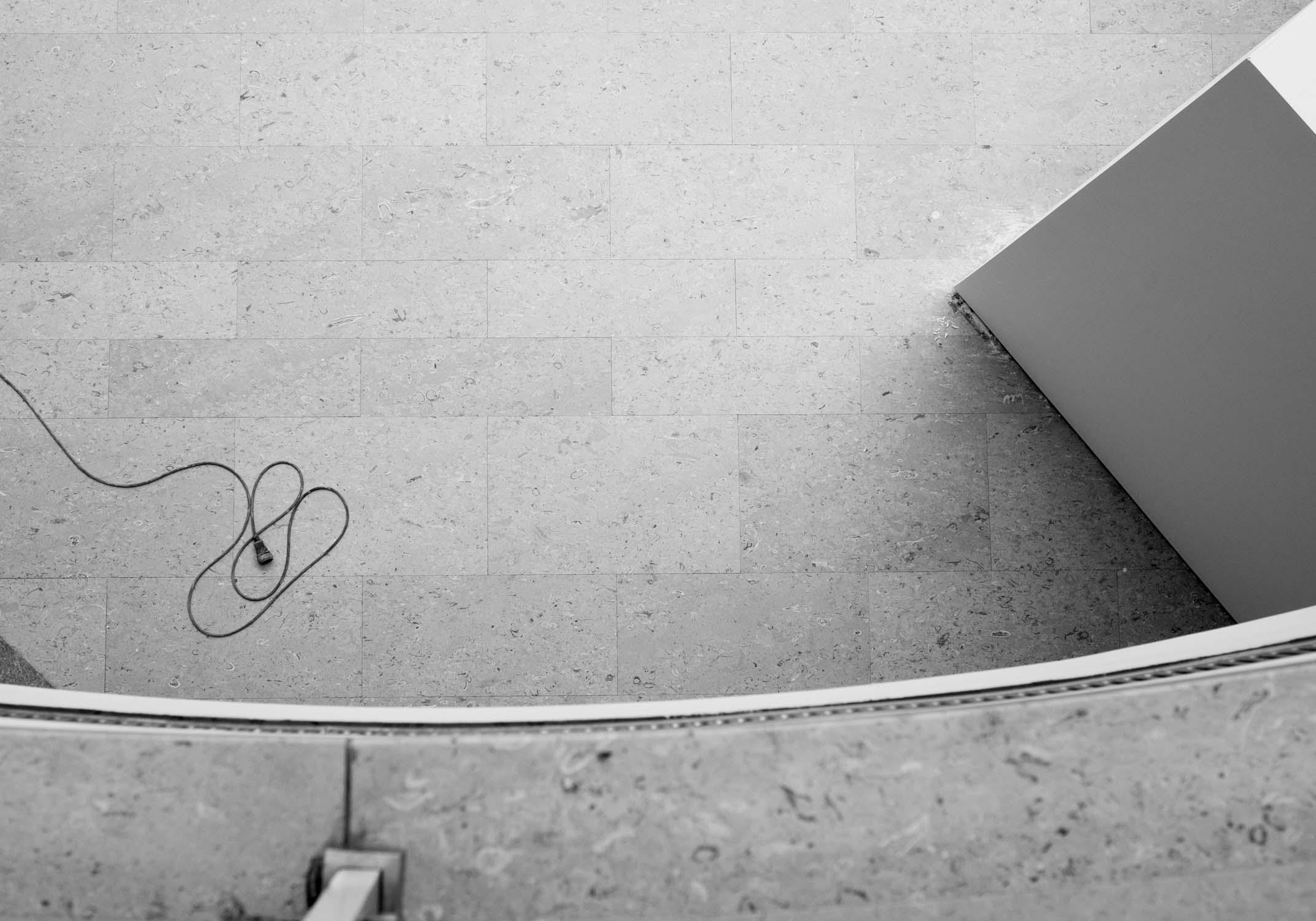 die bielefelder schule aufbau entstehung kabel boden Vogelperspektive wand ausstellung bielefeld fh gestaltung jörn strojny