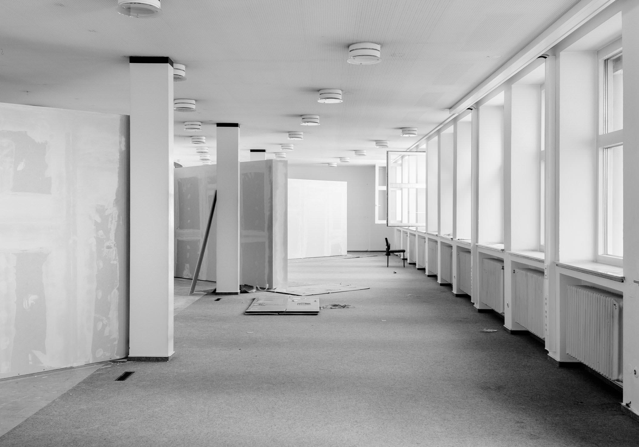 die bielefelder schule ausstellungsraum ausstellung leer aufbau beginn langzeitprojekt Entstehung bielefeld fh gestaltung jörn strojny