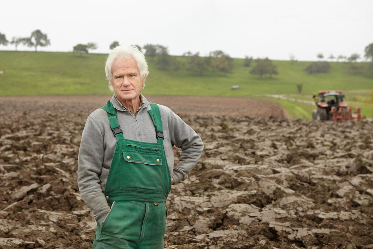 Landwirtschaft - Fotografie für Ihre Website   Jörn Strojny ...   {Junger landwirt bei der arbeit 43}