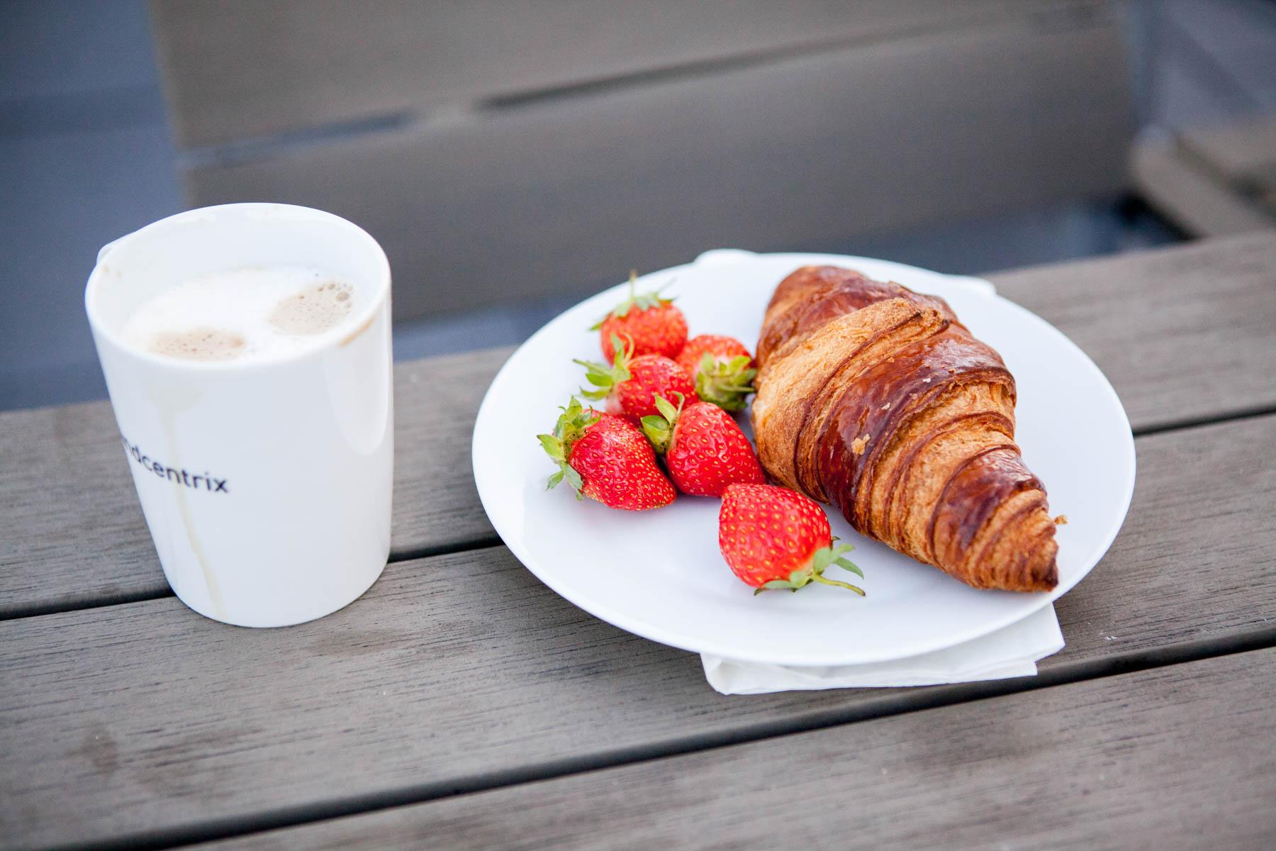 creative mornings köln vortrag frühstück grandceantrix Michaela Berghaus Veronica Garcia kaffee erdbeeren croissant jörn strojny